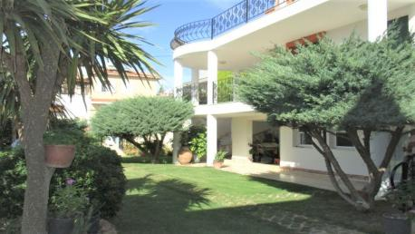 Cesme Villa in Izmir for sale