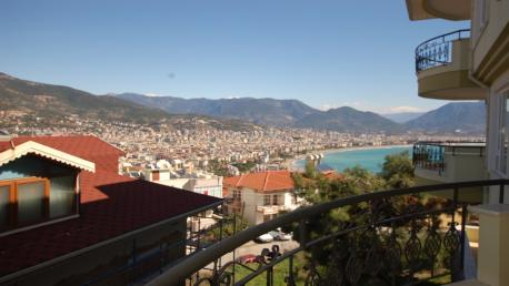 Sea view villa in Alanya at the castle for sale