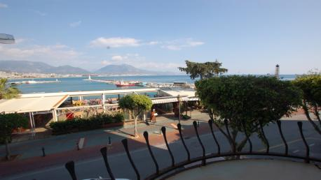 Seaview apartment in the Alanya harbour